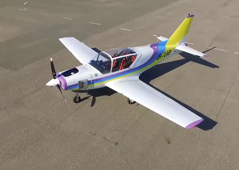 LIGHT AIRCRAFT AND UNMANNED AERIAL SYSTEMS